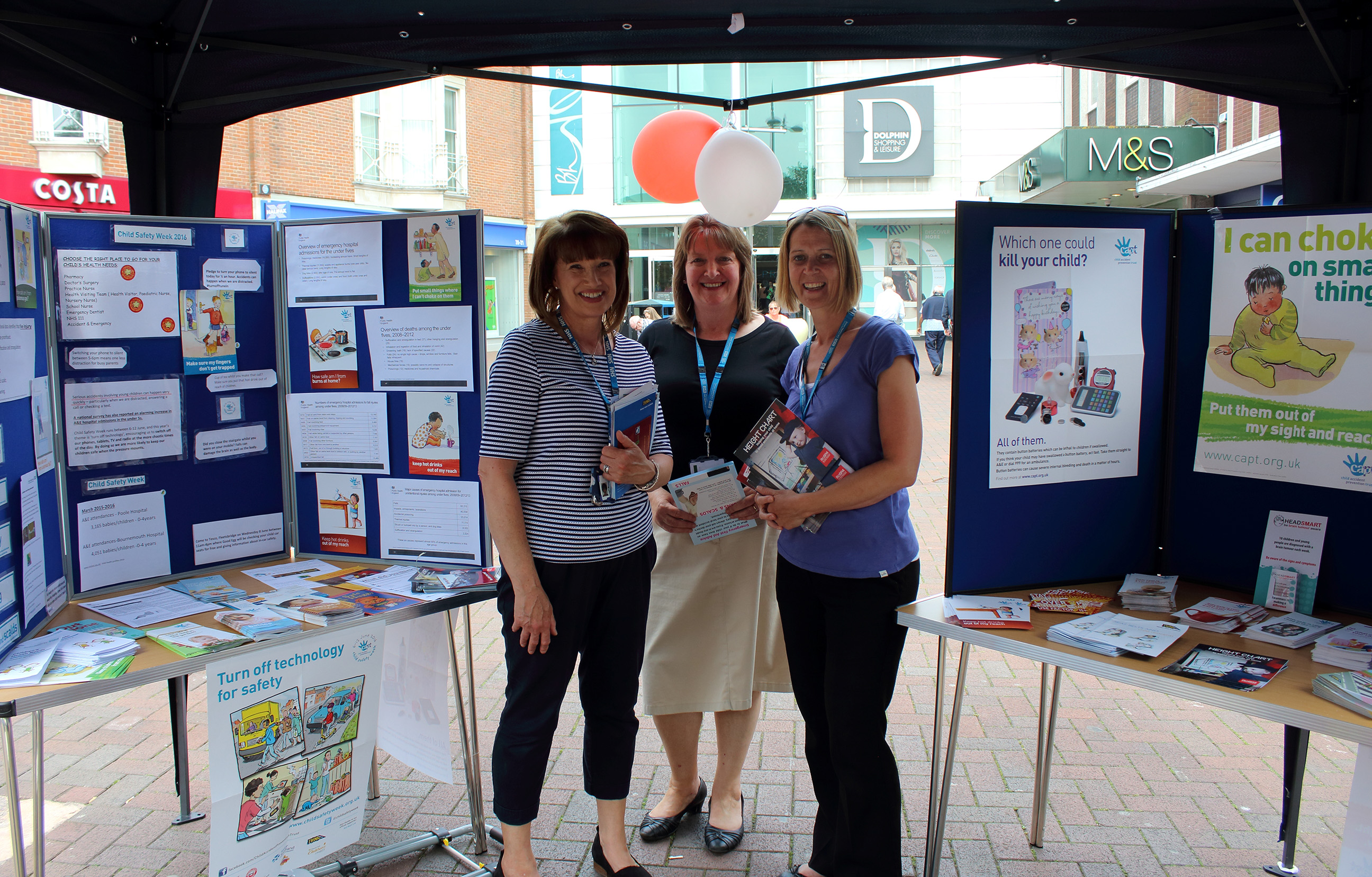 Dorset HealthCare takes to the streets of Poole to promote child safety